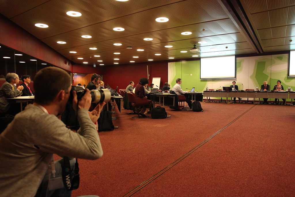 """Views of the CICG during 10th Plenary of the Group on Earth Observations (GEO-X) in Geneva"", par Rama - CC BY-SA 2.0"