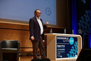 DigiWorld_Summit_2015_-_Jimmy_Wales_19