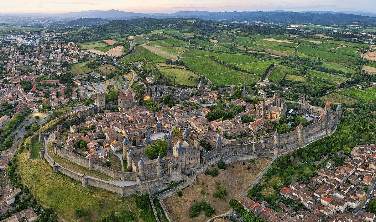 Cité de Carcassonne par Chensiyuan, CC-by-SA 4.0.